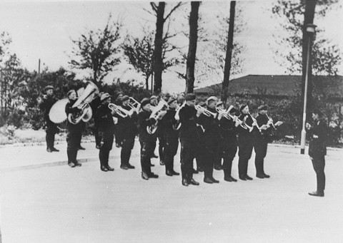 Six Million - Page 3 85881__The_prisoners___orchestra_in_Buchenwald_concentration_camp