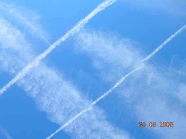 overhead chemtrails