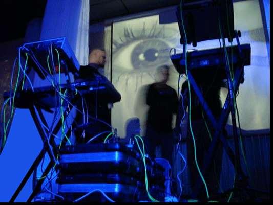 L'œil qui voit tout; tous les symboles des Illuminatis dans les médias 3mfvc6a8dynamix