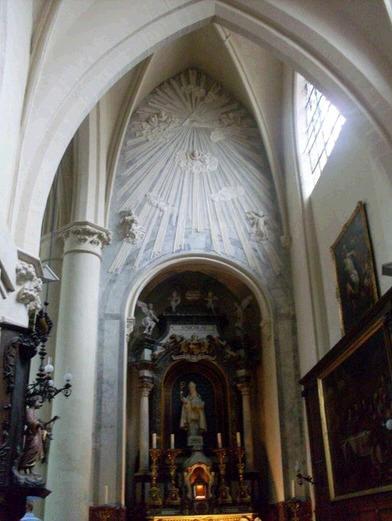 SÍMBOLOS LUCIFERIANOS EN LA RELIGIÓN Church2